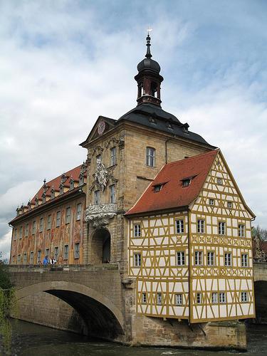 Das Bamberger Brückenrathaus / Foto von jluster / Lizenz CC-BY-SA
